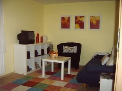 sch nes zimmer mit eigenem bad n he messe hannover sarstedt niedersachsen. Black Bedroom Furniture Sets. Home Design Ideas